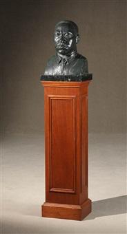 bust of dr. martin luther king, jr. by elizabeth catlett