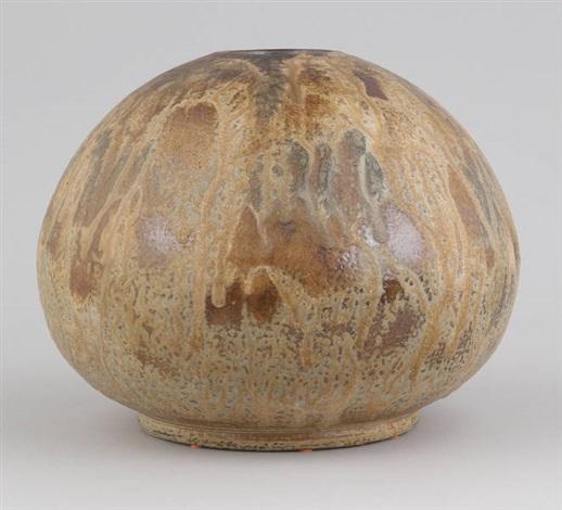 vase de forme boule by edgar aubry