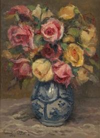 vase fleuri de roses by yvonne vonnot-violet