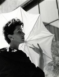 ohne titel (model mit regenschirm) by walde huth