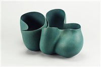 a double bowl form by irene vonck