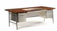italic-styling executive desk by gordon bunshaft