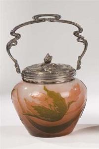 deckelgefäß mit papageientulpe (silver by victor saglier) by verreries d'art lorrain