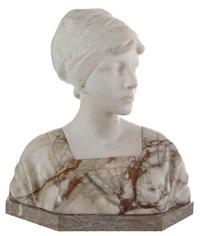 buste d'une femme à la coiffe regardant de côté by richard aurili