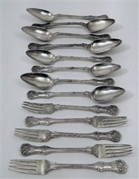 Table service w/queens pattern handles (set of 23)