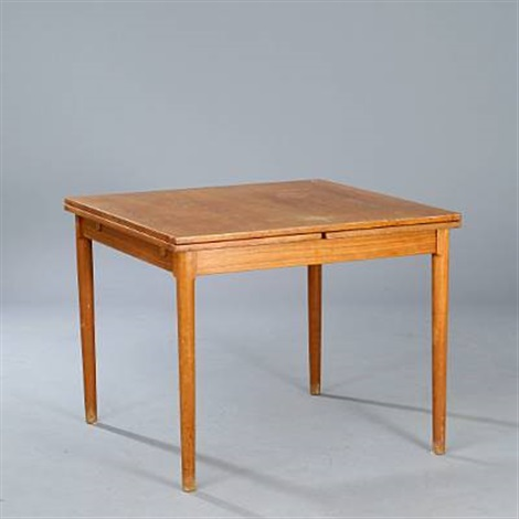 square dining table with pull-out leaveskaj winding on artnet