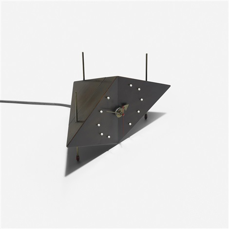 kite table clock model 2217d by george nelson associates