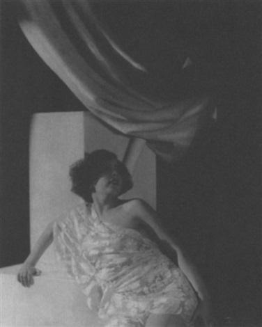 woman in a cloche by daniel masclet
