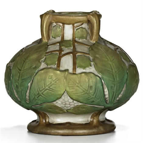 bulbous vase with leaves by amphora werke reissner