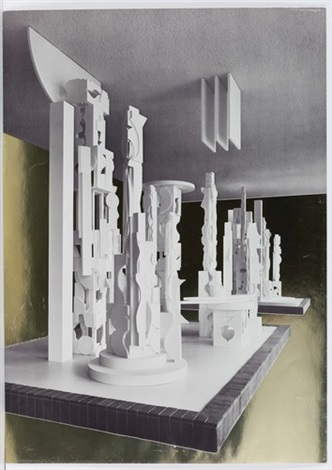 ohne titel by louise nevelson