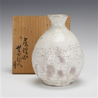 sake bottle by arakawa toyozo