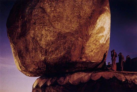 golden rock kyaiktiyo myanmar burma by steve mccurry