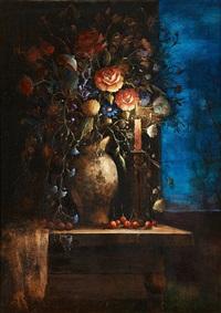bouquet de fleurs à la lueur d'une bougie by guy cambier