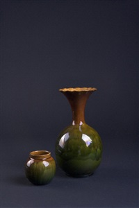 vase (+ jardiniere, smllr; 2 works) by vodrey (co.)