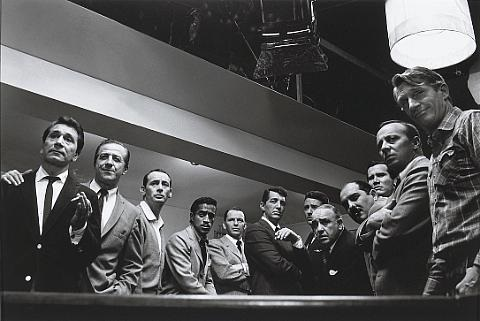 cast in the film oceans 11 by sid avery