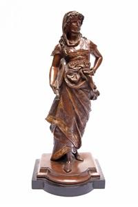weibliche figur mit schild und schwert by léon pilet