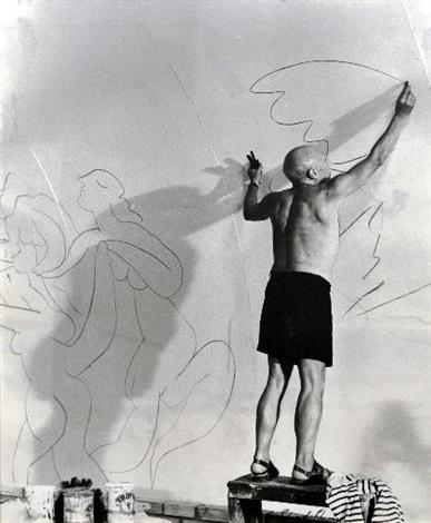 Picasso beim Zeichnen der Friedenstaube in der Kapelle von