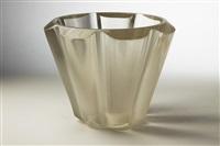 vase by alois metelak (metelßk)