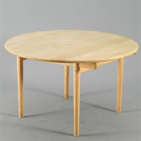 Beau A Round Extension Table, Pp 70 By Hans J. Wegner