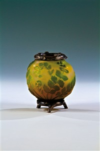 vase by michael perchin