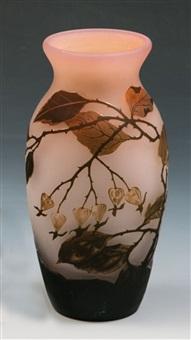 vase mit hagebutte by arsall (vereinigte lausitzer glaswerke)