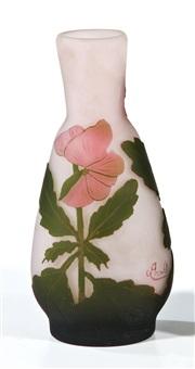 vase mit stiefmütterchen by arsall (vereinigte lausitzer glaswerke)