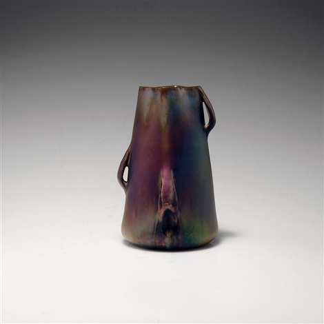 vase by jerome massier