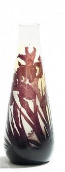 vase mit irisdekor by cristallerie d'emile gallé