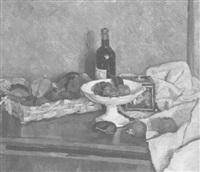 stillleben mit flasche, fruchtschale, früchtekorb und weissem tuch by julius hess