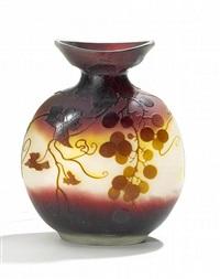 vase mit weinranken by cristallerie d'emile gallé