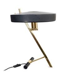 lampada da tavolo by louis christian kalff