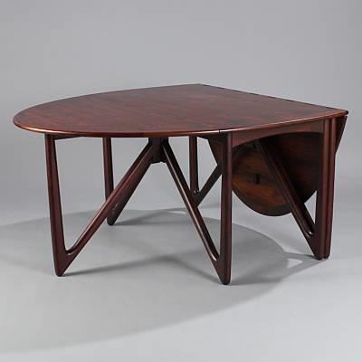 Elliptical Gateleg Table (model 304) By Niels Koefoed