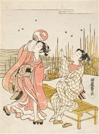 ein junger mann sitzt auf einer bank an einem mit blumen und schilf bestandenen flußufer und zeigt auf glühwürmchen in der luft (chûban) by isoda koryusai