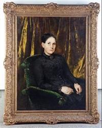 mujer con vestido negro by jesus corredoira