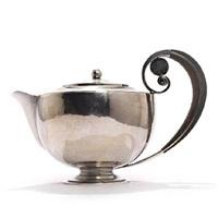 tea pot by johan rohde