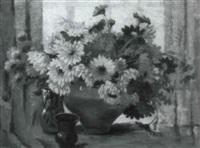 stilleben mit calendula, ringelblumen und sommerastern by emy rogge