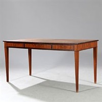 desk with tapering legs by frits henningsen
