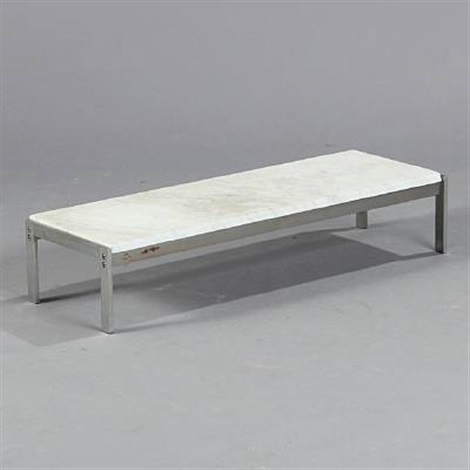 pk 62 table by poul kjaerholm