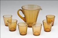 kaadin ja kuusi lasia, bölgeblick (a pitcher and six glasses) by aino aalto
