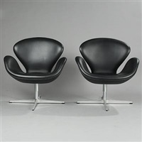 the swan lounge chairs (model 3320) (pair) by arne jacobsen