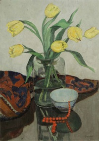 nature morte aux tulipes jaunes et collier en corail by hubert glansdorff