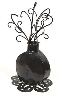 vase et fleurs by richard di (buddy) rosa