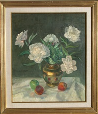 untitled - white flowers still life by adela smith lintelmann