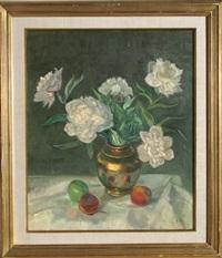untitled - white flowers still life by adela smith lintelmann