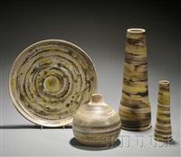 platter (+ 3 vases; 4 pieces) by gordon martz