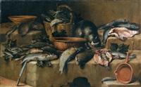 stillleben mit fischen, einem weidenkorb, weinblättern und einer katze mit ihrer beute by felice boselli