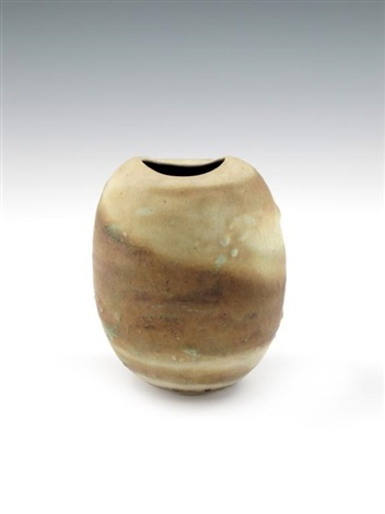 potato pot by lucie rie