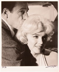 marylin monroe und yves montand am filmet von let´s make love by lawrence schiller