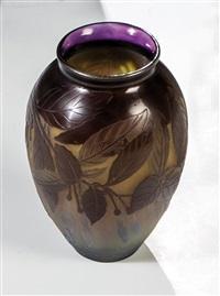 vase mit fuchsie by cristallerie d'emile gallé