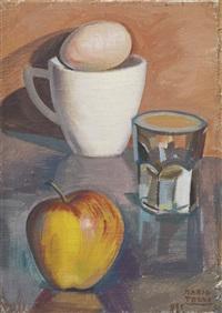 tazza con l'uovo, bicchiere e mela by mario tozzi